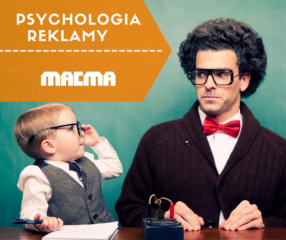 psychologia reklamy mężczyzna i chłopiec patrzą na siebie, chłopiec jest w roli nauczyciela a mężczyzna ucznia