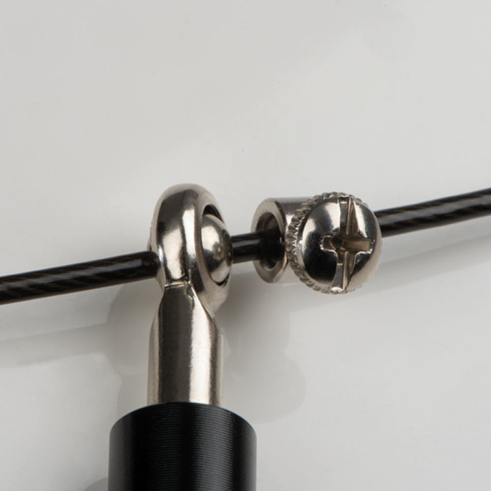 Skakanka z metalowymi rączkami
